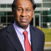 Ajit Yoganathan Presented with Tamil's Information Lifetime Achievement Award